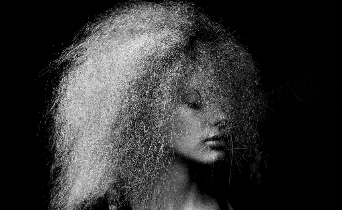 Como lavar cabelos embaraçados embolados sem quebrar os fios