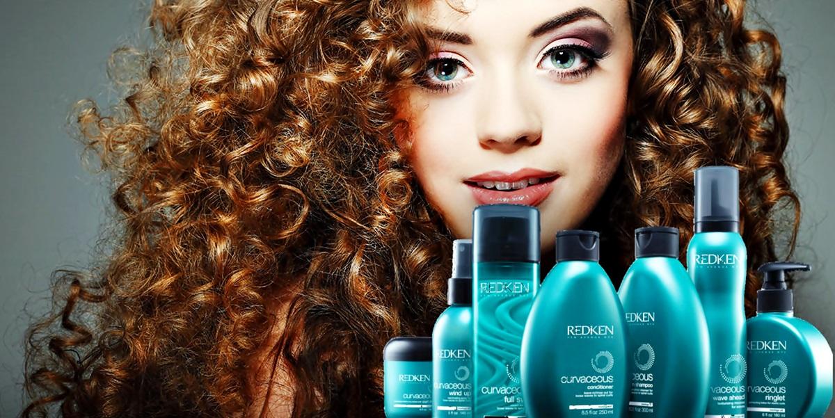 Melhores shampoo e condicionador para cabelos cacheados linha Redken Curvaceous banner