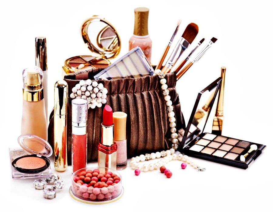 Saiba como e onde comprar cosméticos sempre pelo menor preço lalina